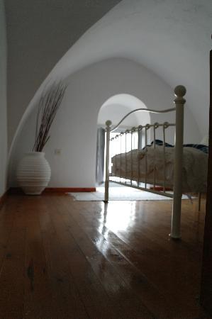 Archontiko Santorini: Schlafzimmer