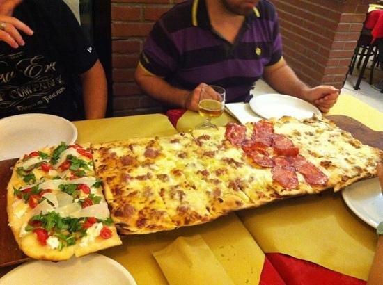 Pizzeria L'Antico Portone : 80cm per sei persone