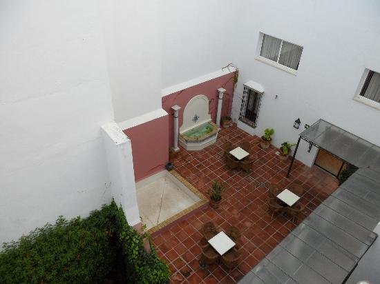 Apartamentos Murillo: vista dalla camera sul cortile interno