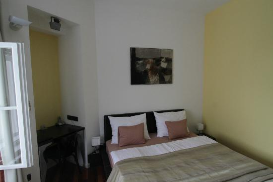 Hotel President Pantovcak : Standard room