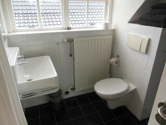 B&B Bij het Strand: Il bagno della nostra camera