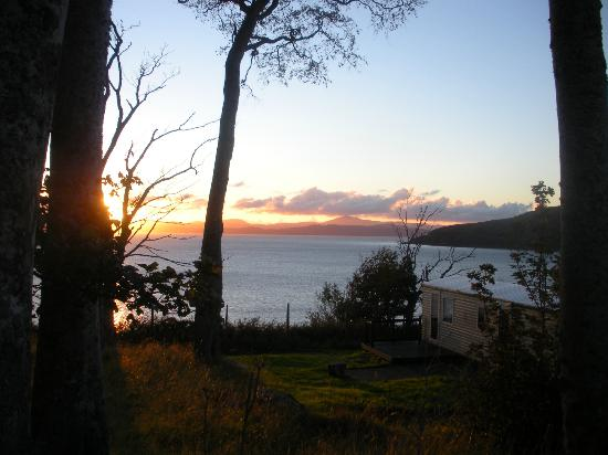 Applecross Campsite: Sunset from the side of one of the static caravans