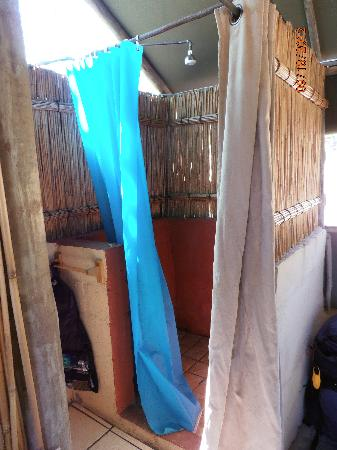 Amangwane - Kosi Bay: Shower