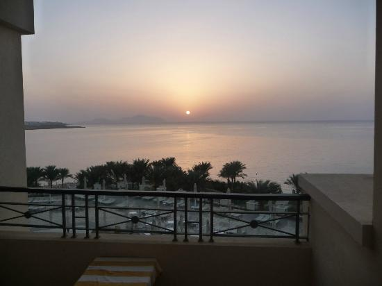 Stella Di Mare Beach Hotel & Spa: Sunrise at 5:30am