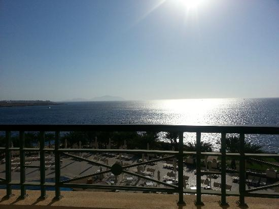 Stella Di Mare Beach Hotel & Spa: view from balcony - it's hot outside!