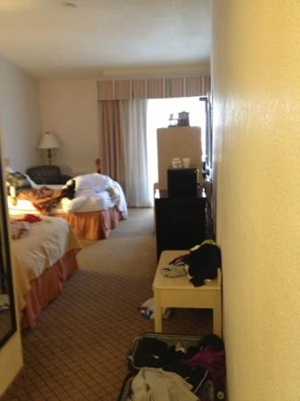 Clarion Hotel & Conference Center: view of 2 full bed sized room