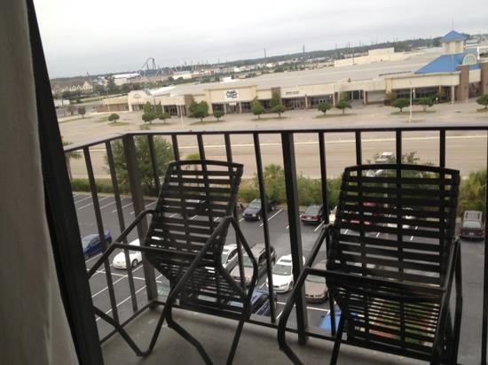 Riverwalk Inn & Suites: view of small balcony, facing parking lot