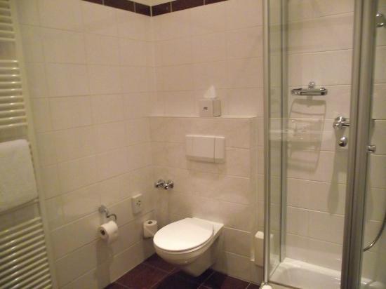 Hotel Fürst Bismarck: altra camera (7410): il bagno