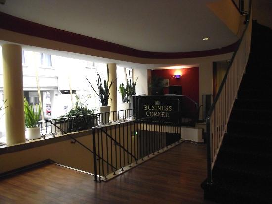 Hotel Fürst Bismarck: business corner (passaggio per ascensore 2)