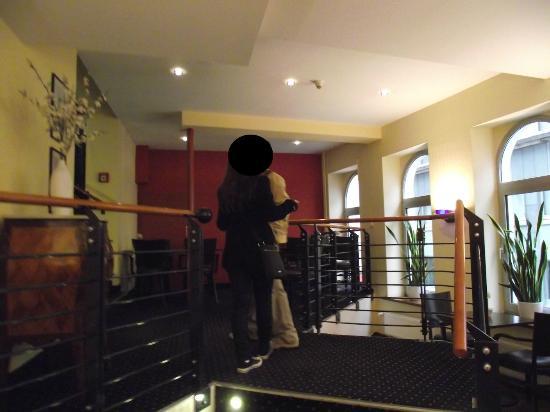 Hotel Fürst Bismarck: scale intermedie per ascensore 2