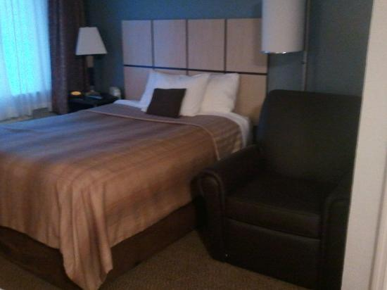 Candlewood Suites Birmingham - Hoover: Bed