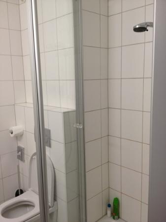 ISG Hotel Heidelberg: Bathroom