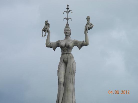 Hafen Konstanz: Imperia - erst Skandal, heute Wahrzeichen