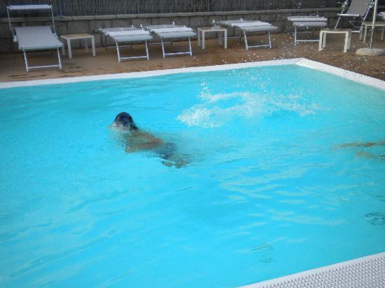 B&B Il Roseto: piscina