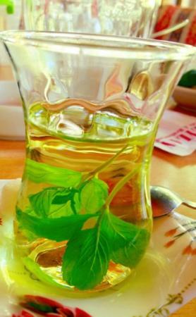 Ceylan Restaurant & Cafe: refreshing mint tea