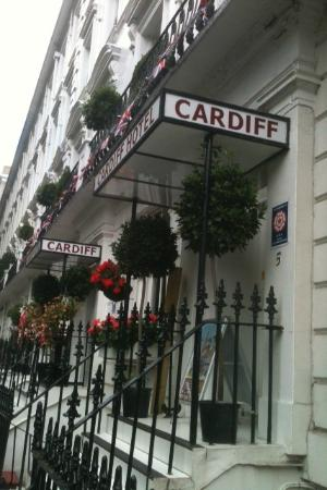 Cardiff Hotel: Standing outside street-view