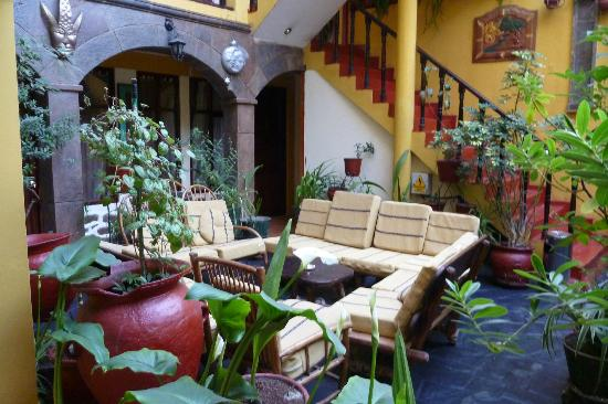Hostal Cusi Wasi: Enclosed Courtyard