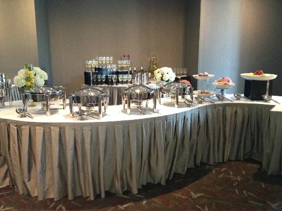 Colcord Hotel: Beautiful Champagne Brunch set up