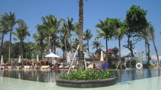 W Retreat & Spa Bali - Seminyak: great pool