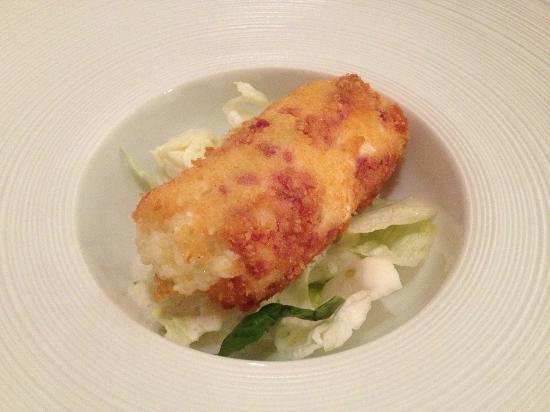 Hotel Reipertingerhof : Cannellone di patate e speck su letto di insalata marinata