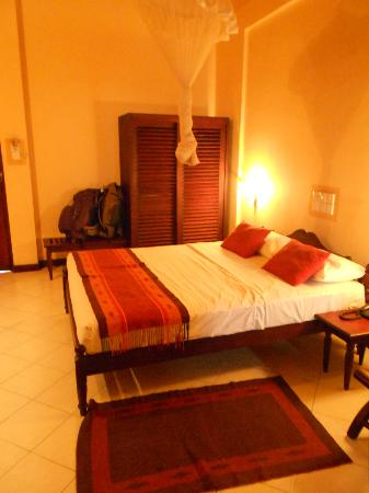 Gimanhala Hotel: The bed