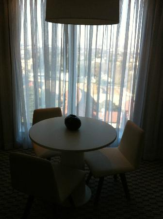 Radisson Blu Gautrain Hotel: Weird little table