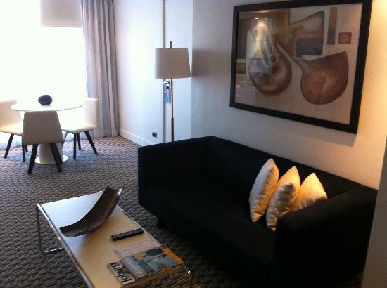 Radisson Blu Gautrain Hotel: Lounge area