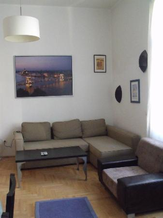 Made Inn Budapest: salon