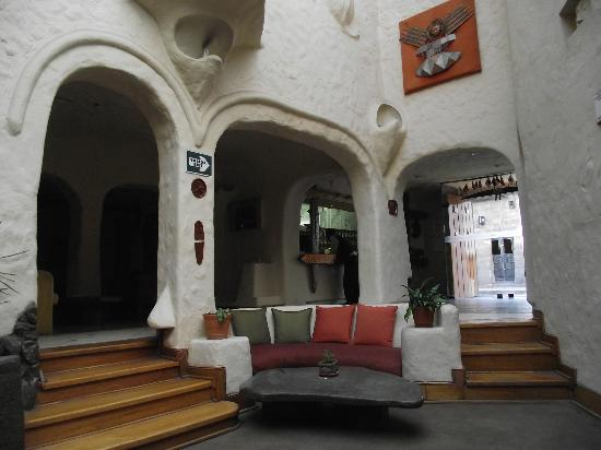 San Agustin International Hotel: Public area near reception