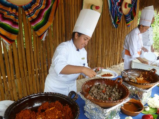 IBEROSTAR Paraiso Del Mar: Tacos on the beach