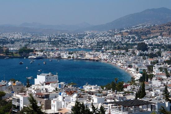Hotel Manastir: View from the terrace over Bodrum bay/castle