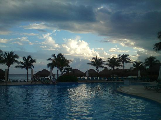 Catalonia Riviera Maya: One of the pools