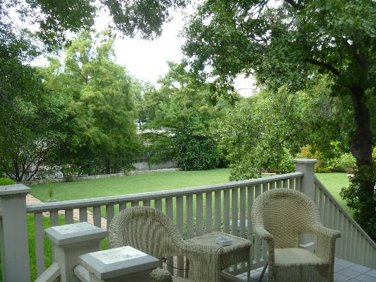 Noble Inns - The Oge House, Inn on the Riverwalk : View of river from back porch