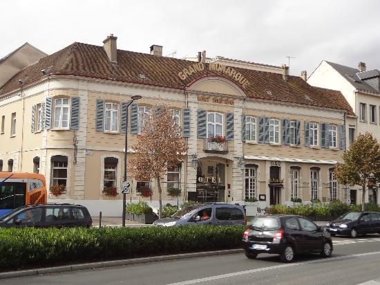Best Western Grand Monarque: Front of Hotel