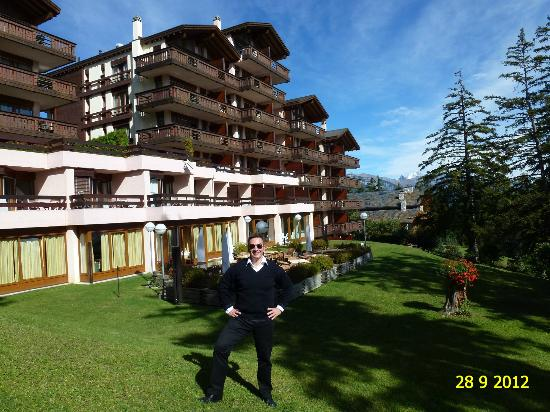 Helvetia Intergolf - Hotel & Apparthotel: VIEW FROM GARDEN OF HELVETIA INTERGOLF HOTEL & APPARTHOTEL IN SEPTEMBER 2012.