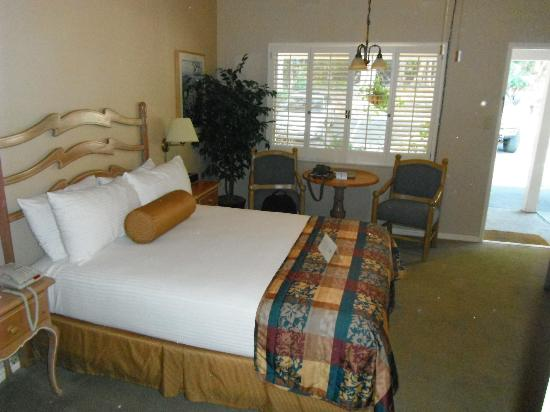 Inn at Pasatiempo: Room w/Queen bed