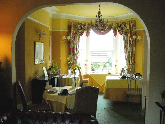Bay Tree House Bed & Breakfast: View from lounge into dining room