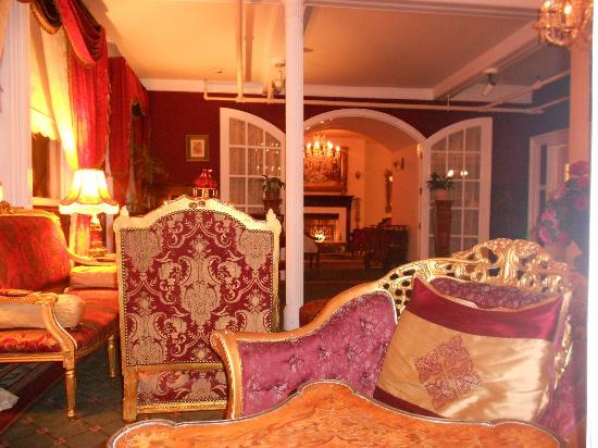 Queen Anne Hotel: Un angolo della hall
