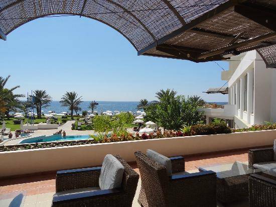 Constantinou Bros Athena Royal Beach Hotel: View from hotel terrace