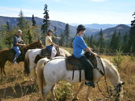Northwestern Lake Riding Stables: The best family time together