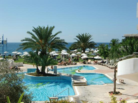 Constantinou Bros Athena Royal Beach Hotel: View of the 2 pools
