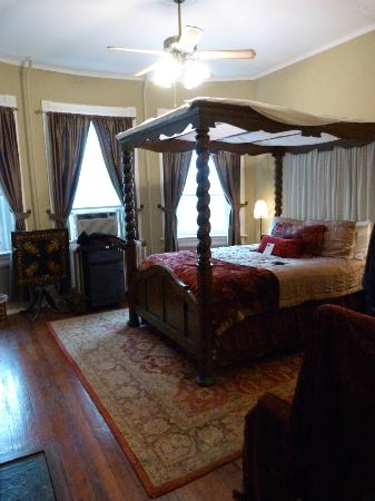 Akwaaba DC: Romance room