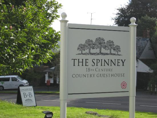 The Spinney Country Guest House: Hotel Signage