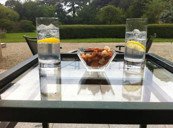 Le Chateau de Sully : Relaxing on the terrace