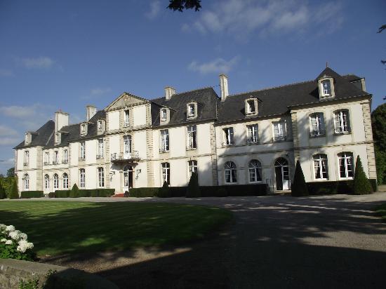 Le Chateau de Sully : Front View