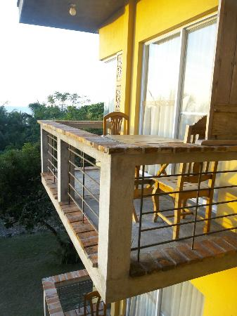 Amarela Resort: Yellow hue from which the resort gets its name