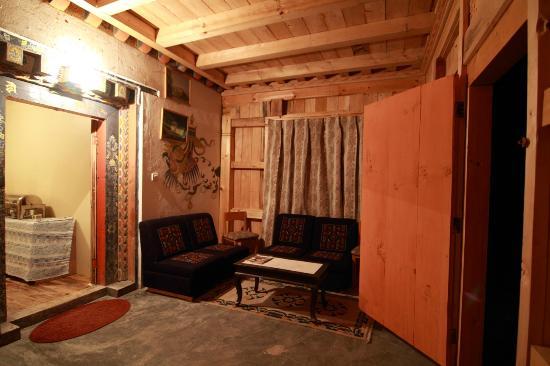 Thegchen Phodrang Guest House: Reception Arae
