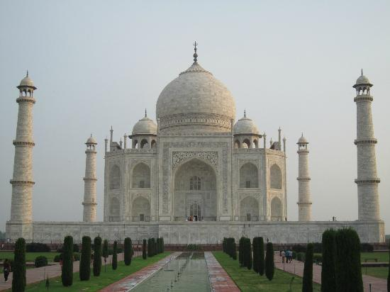 Peak Mountaineering Day Tours: The Taj Mahal. Photos don't do it justice.