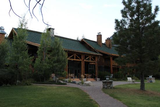 Freestone Inn: Gorgeous main Inn building.