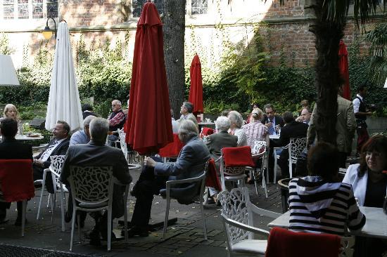 Intermezzo: Der Bibelgarten in Mitten der Altstadt